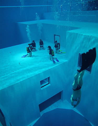 world s deepest swimming pool